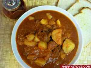 Goulash (Paprika Flavored Stewed Beef) - By happystove.com
