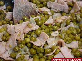 Sweet Peas with Turkey Ham - By happystove.com