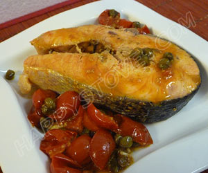 Salmon Steak with Cherry Tomatoes and Capers - By happystove.com