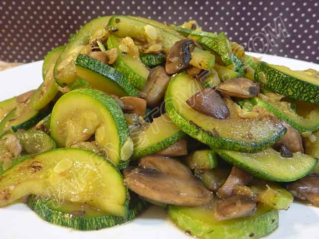 Saute of Zucchini and Mushrooms - By happystove.com